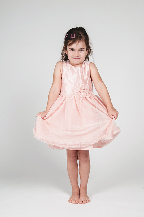 Maedchen mit rosa Kleid