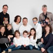 Familienfoto zwoelf Personen